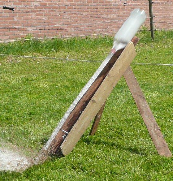 Lancering waterraket